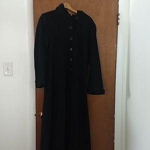 Albert Nippon studio long jacket with hood
